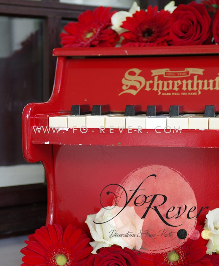 Piano Rouge Vintage