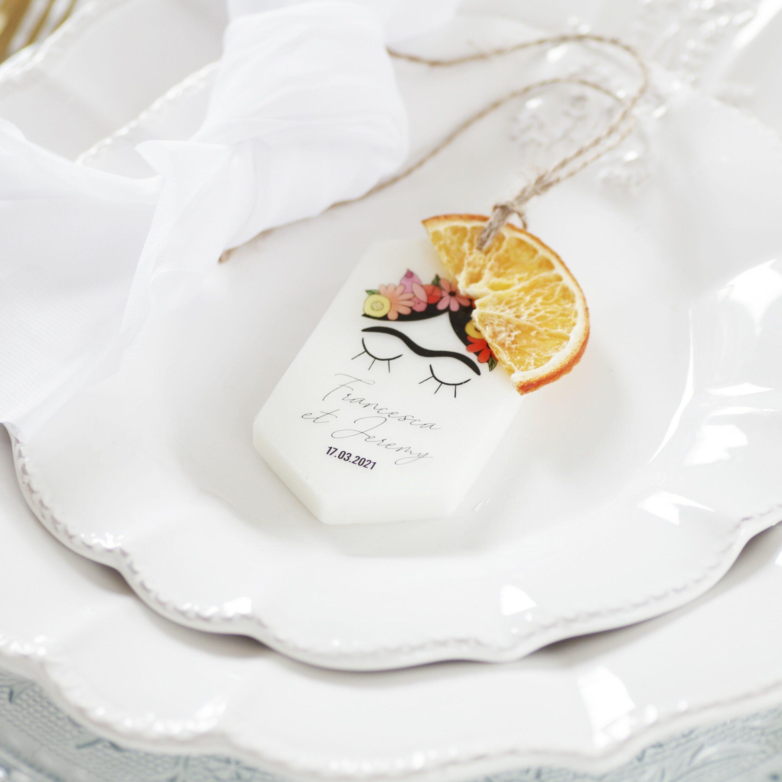 cadeaux-invites-originaux-2022-bougie-parfumee (1) - Copie